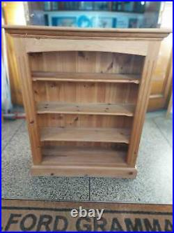 Vintage Sturdy Wooden Bookshelf with height adjustable shelves, Bookcase